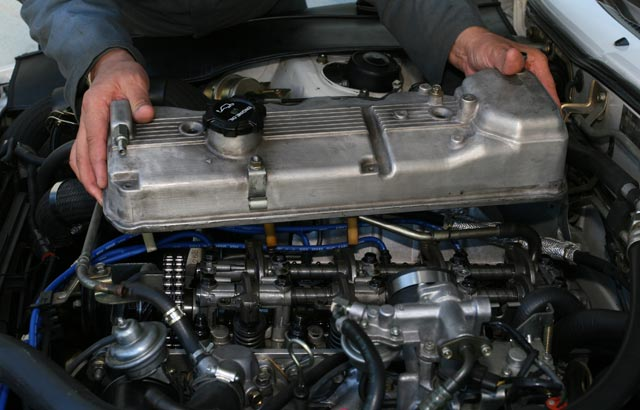 Why is My Valve Cover Gasket Leaking? - BlueDevil Products