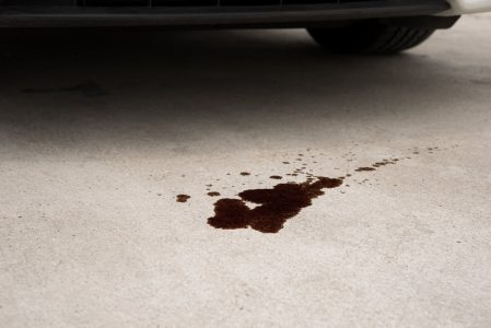 Signs of an oil leak